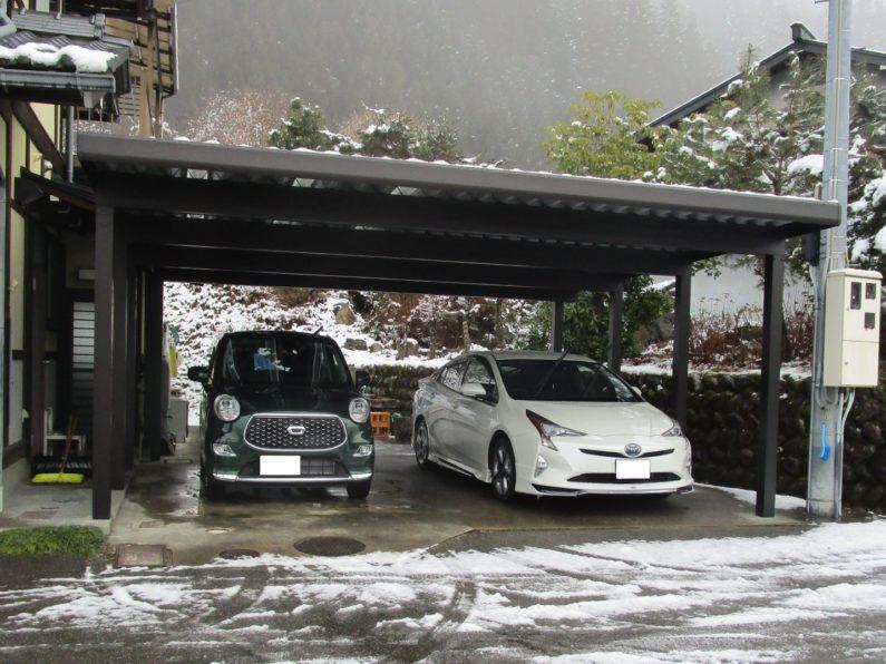 高山市:カーポート(アルミ折板 2台用 屋根異形加工 明り取り屋根)
