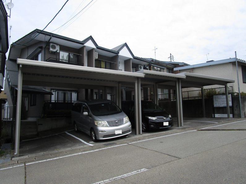 高山市:カーポート(アルミ折板 5台用 傾斜地)