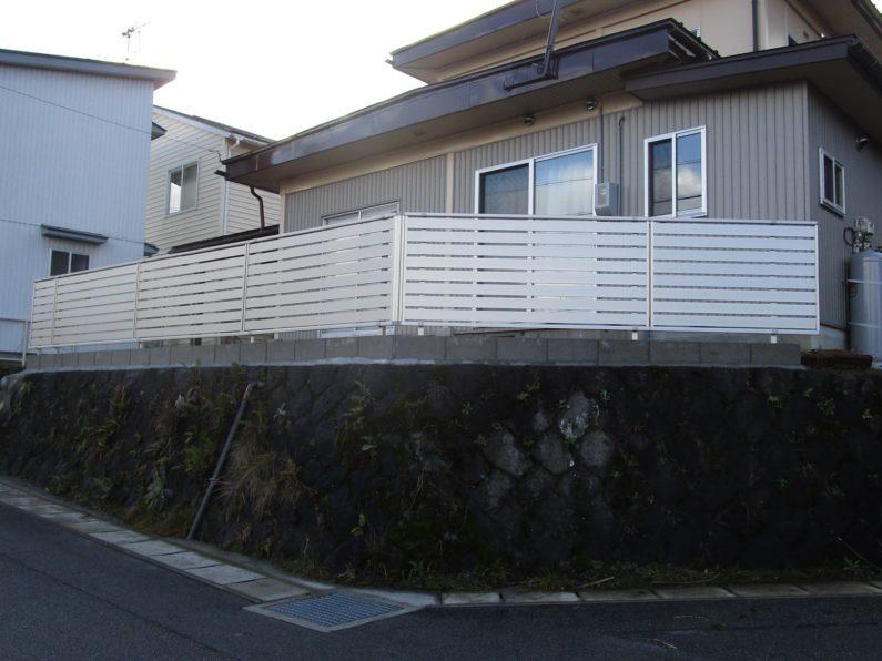 高山市:目隠しフェンス
